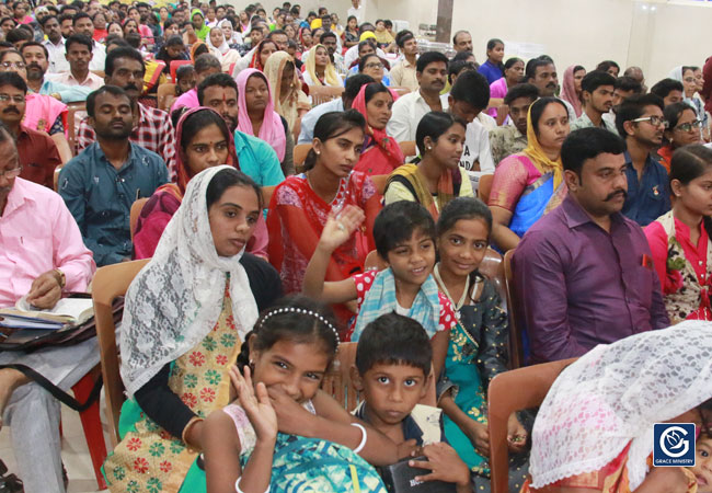 Thousands flocked from different parts of north Karnataka to the Healing & Deliverance Prayer held in Hubli, Karnataka by Grace Ministry on August 15th, 2019.